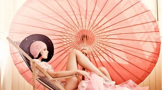 A luscious beachy life - mylusciouslife.com - model with big pink umbrella