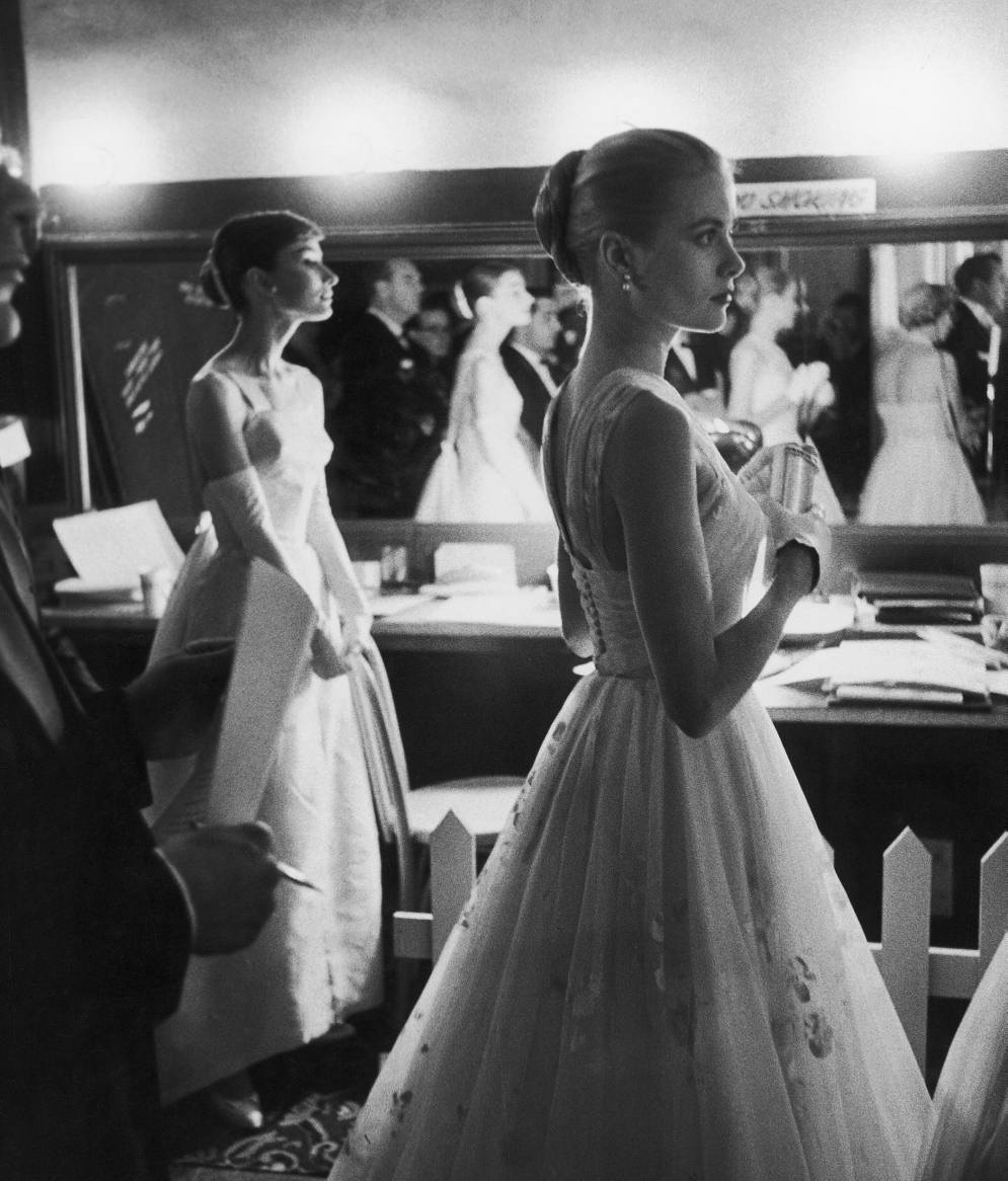 Audrey Hepburn and Grace Kelly in 1956 - mylusciouslife.com