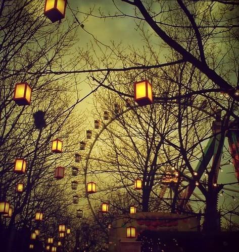 Ferris wheels - evening with lanterns - www.myLusciousLife.com