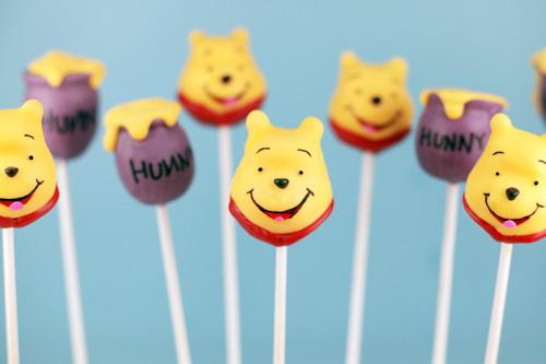 winnie the pooh and honey - cake pops - www.myLusciousLife.com
