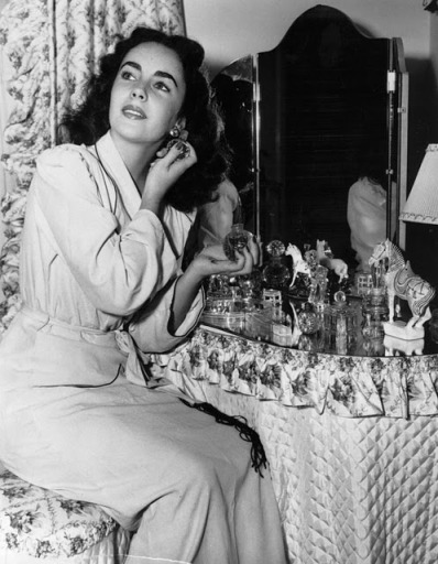 Elizabeth Taylor - vintage vanity perfume dressing table