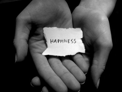 Happiness is in your hands - Do what you love for a living - mylusciouslife