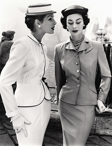 John French - Fiona Campbell-Walter and Anne Gunning in tailored suits - London 1953 - mylusciouslife.com