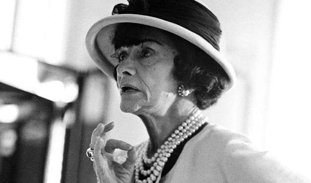 Beautiful pearl jewellery - classic photos - coco chanel pearls