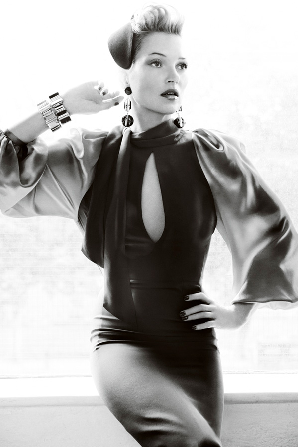 0afefc20d7d Kate Moss by Mario Testino for Vogue UK August 2011