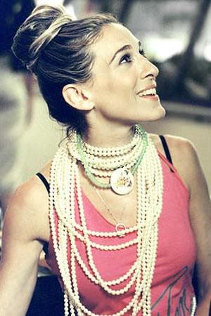 Sarah Jessica Parker - pearls