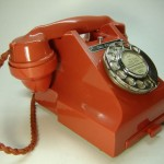 red-300-series-bakelite-telephone - mylusciouslife.com