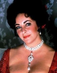 Luscious pearls - Elizabeth Taylor with La Peregrina