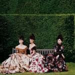 Balmain Haute Couture by Oscar de la Renta by Peter Lindbergh Vogue October 1997