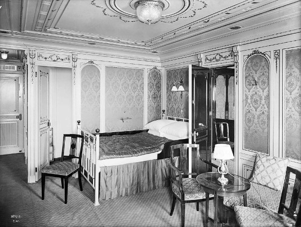 A luxury bedroom cabin on the Titanic 1912