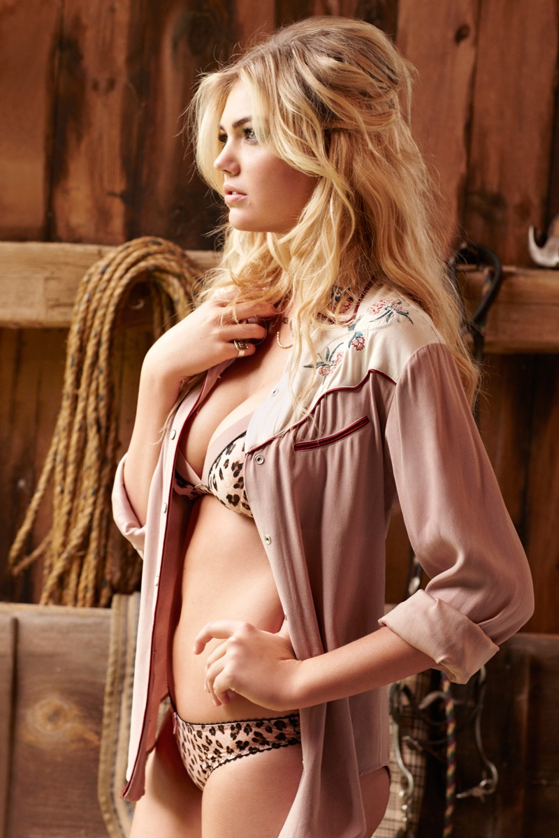 Hotness: Kate Upton by Matt Jones for Cosmopolitan November 2012