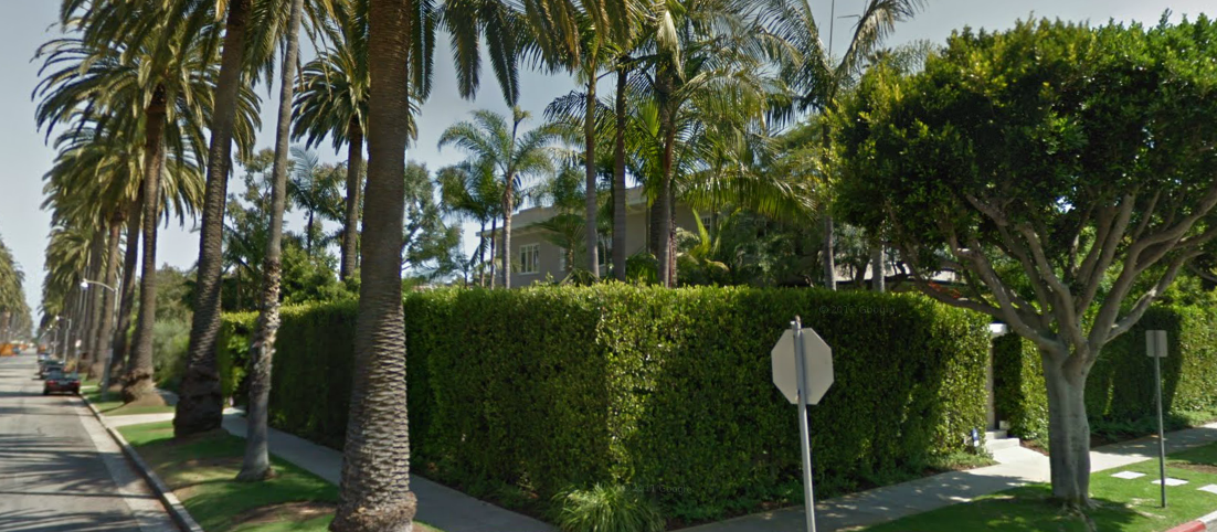 Gwyneth Paltrow - exterior of Santa Monica childhood home - 2020 Georgina Avenue
