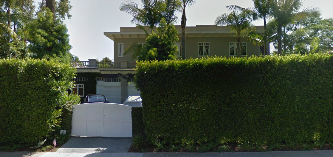 Gwyneth Paltrow - street view of Santa Monica childhood home