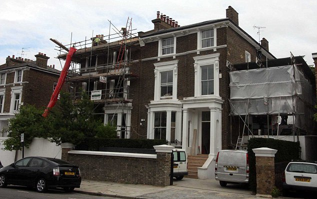 Gwyneth Paltrows London home under construction
