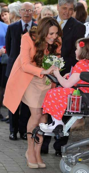Kate Middleton in Sledge Two pumps by LK Bennett