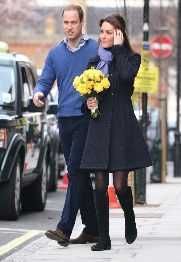 Kate Middleton leaving the hospital - pregnant maternity wear