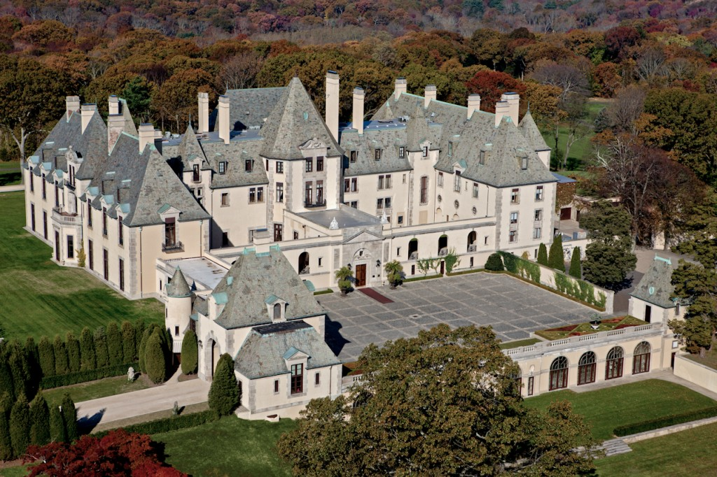 Gatsby style the original houses which inspired f scott for Long island estates for sale