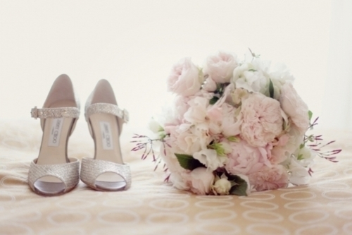 vintage 1920s wedding dresses - style 1920s - wedding shoes and flowers