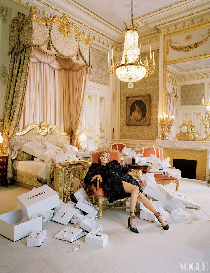 Luscious hotels - The Ritz Paris - Kate Moss goes shopping