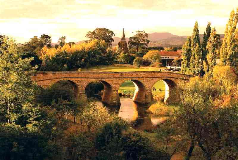 richmond bridge in historic richmond in tasmania