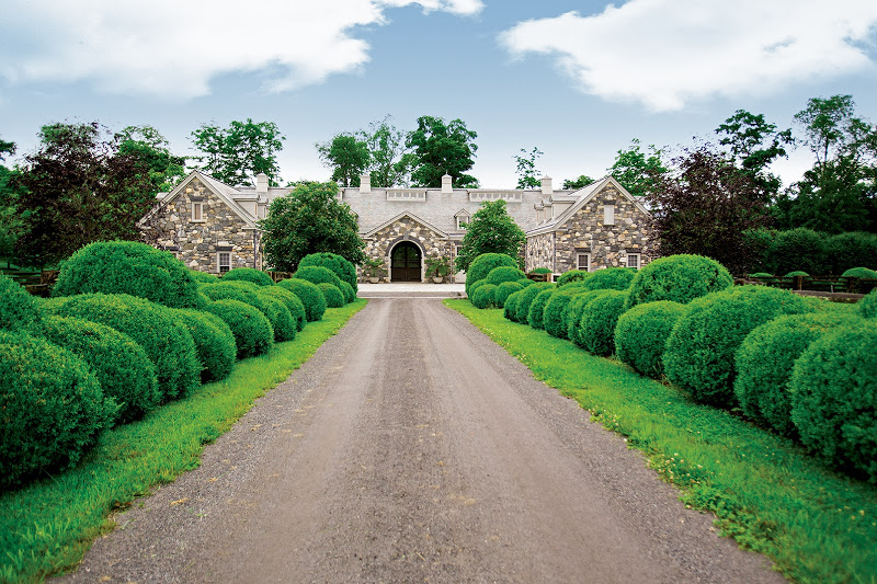 Martha Stewart's Katonah home and stables for Equestrian Quarterly magazine Fall 2013