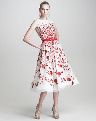 Shop this look blake livelys floral dress oscar de la renta red and white floral sleeveless embroidered dress mightylinksfo