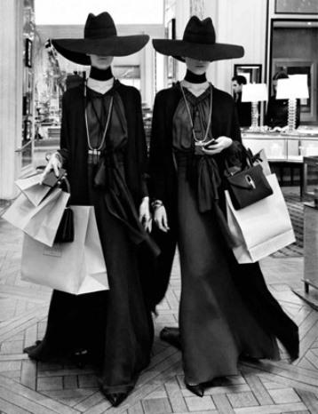 Black Friday-Cyber Monday stylish shopping