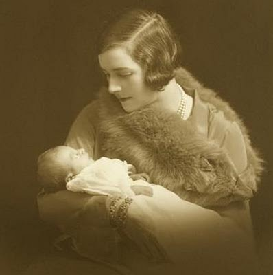 Edwina Ashley Mountbatten with one of her daughters