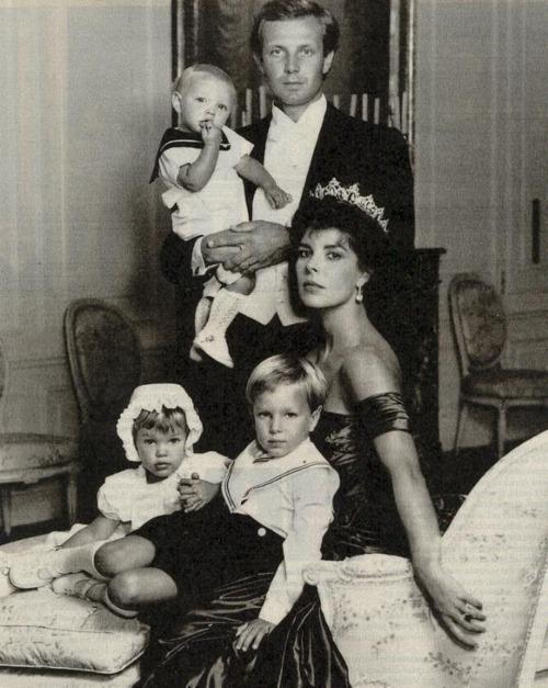 Monaco family photo - Charlotte Casiraghi