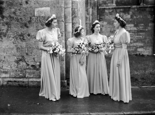Pamela Mountbatten, Princessese Alexandra, Margaret and Elizabeth at Romsey Abbey at the wedding of Lord Brabourne and Patricia Mountbatten