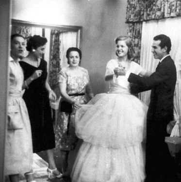 Baroness Aino Bodisco - Beatrice Lodge - Oscar De La Renta 1956