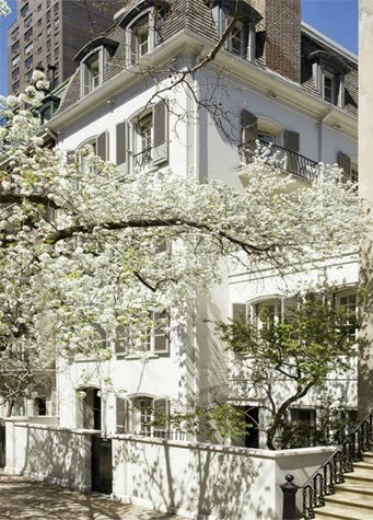 Former Bunny Mellon mansion on 125 East 70th Street