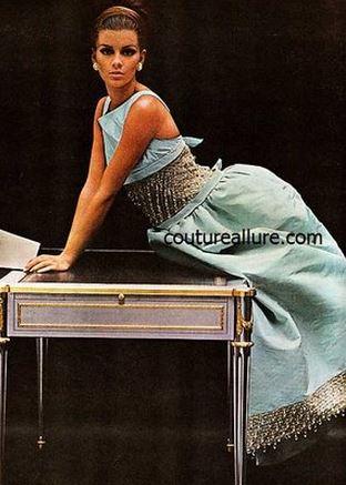 Oscar de la Renta Vogue October 1964