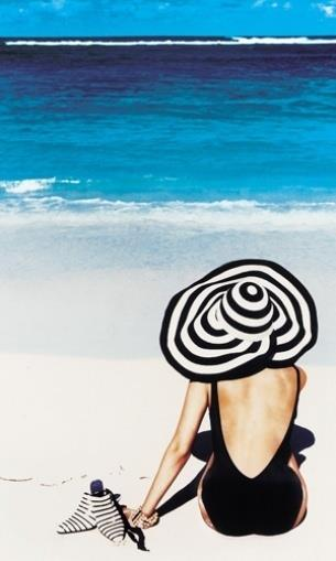 Sophisticated beach fashion