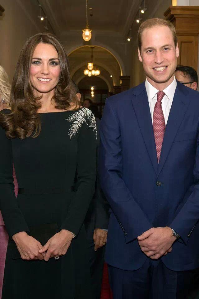 Royal Tour Kate Middletons Black Cocktail Dress By Jenny Packham