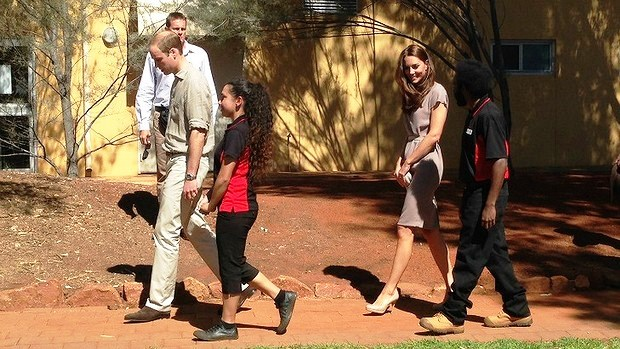 DUCHESS OF CAMBRIDGE STYLE: Kate Middleton in another dress by Roksanda Ilincic with Prince William at Uluru