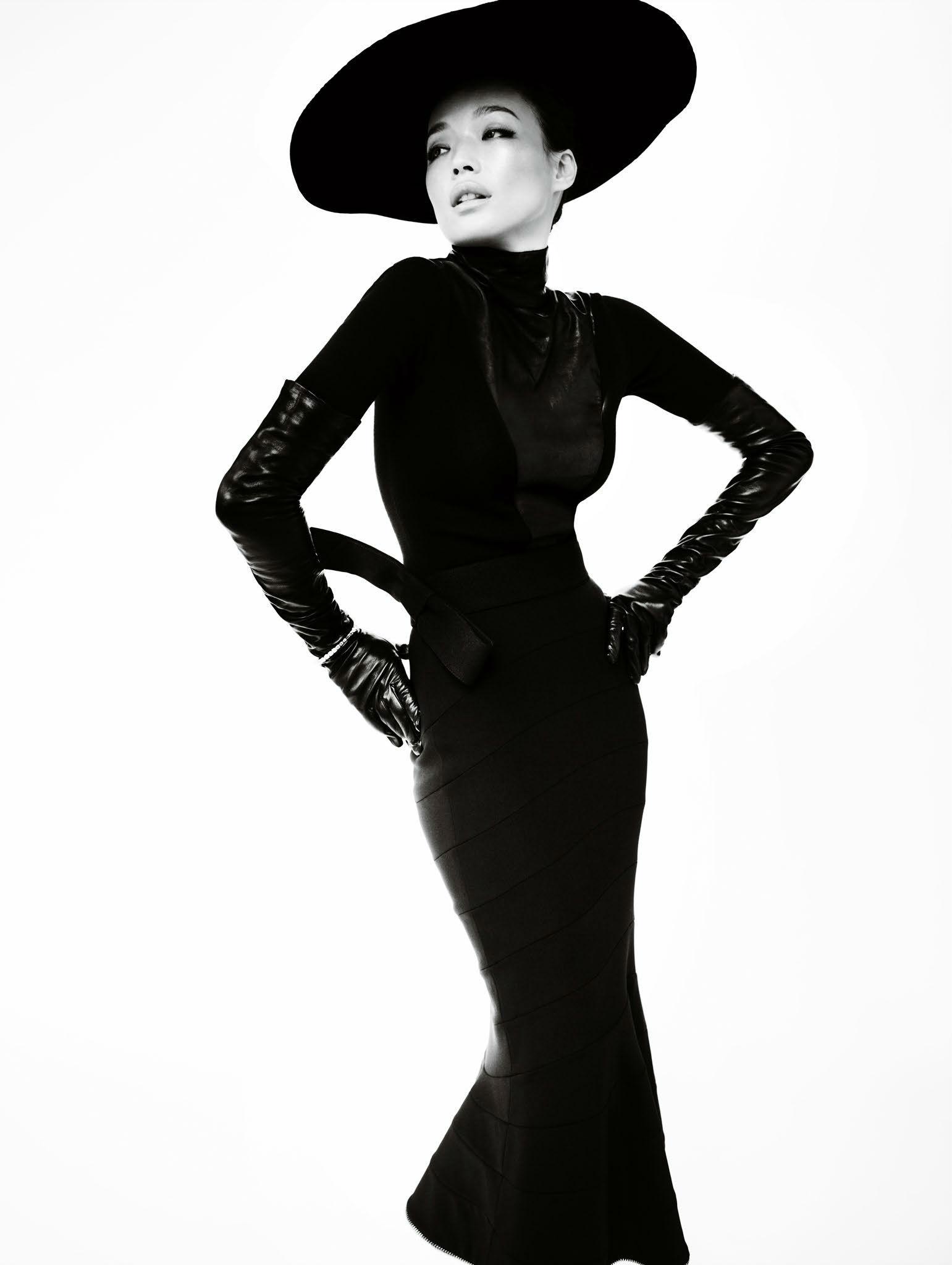 FASHION EDITORIAL: Shu Qi by Mario Testino for Vogue China December 2013