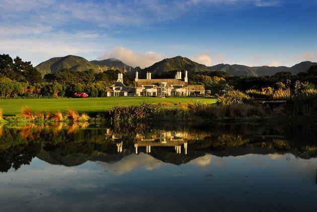ROYAL ACCOMMODATION: Wharekauhau Lodge in Palliser in New Zealand