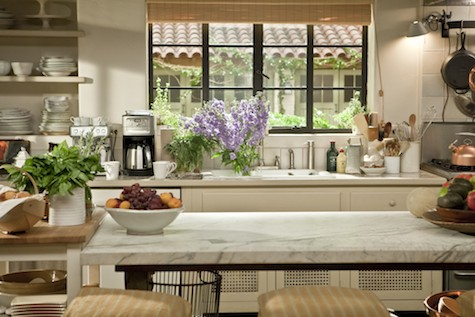 INSIDE MOVIE SET HOUSES: Nancy Meyers movies - It's Complicated kitchen - Merryl Streep's house