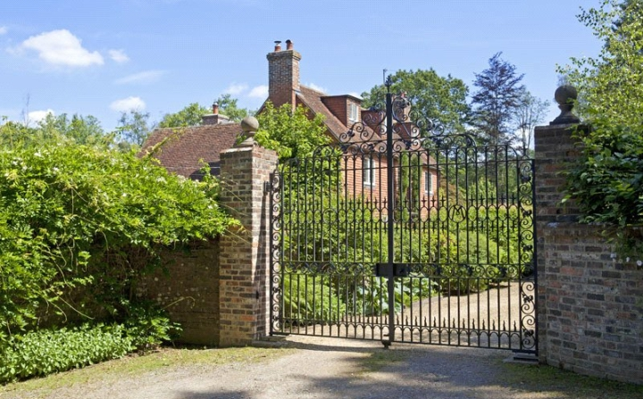 Tickerage Mill, once owned by artist Richard Wyndham, royal father-in-law, Major Sir Ronald Armstrong Jones, the Letts family, and actress Vivien Leigh