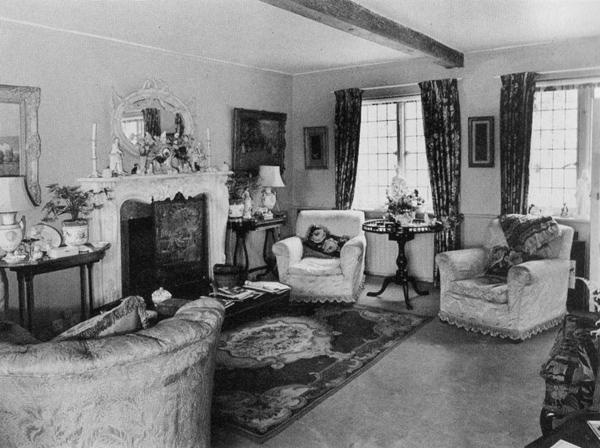 INTERIOR Tickerage Mill Cottage Sussex - Vivien Leigh - living room
