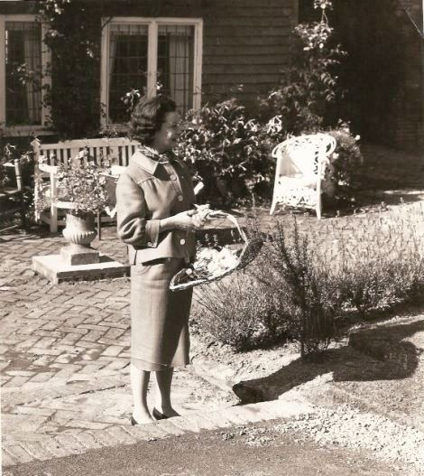 FAMOUS FOLK AT HOME: Vivien Leigh at her Sussex country home in England