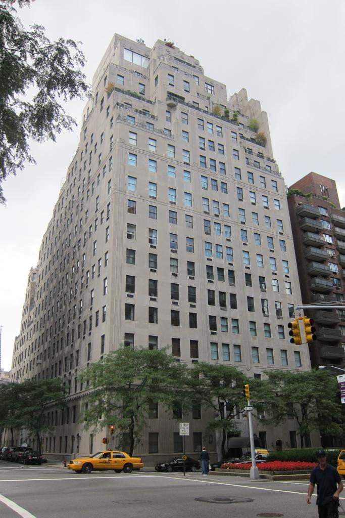 EXTERIOR 740 Park Avenue Manhattan