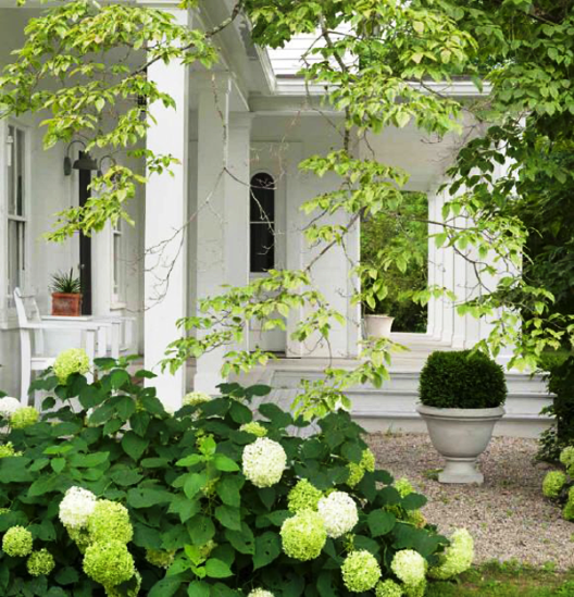 Beautiful houses and gardens via mylusciouslife.com