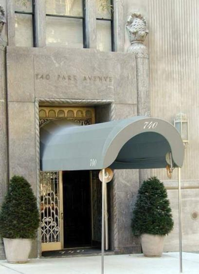 LUSCIOUS NEW YORK APARTMENT BUILDINGS: 740 Park Avenue Manhattan