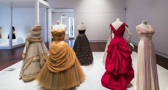 FASHION COMES TO ADELAIDE: The Fashion Icons exhibition at the Art Gallery of South Australia