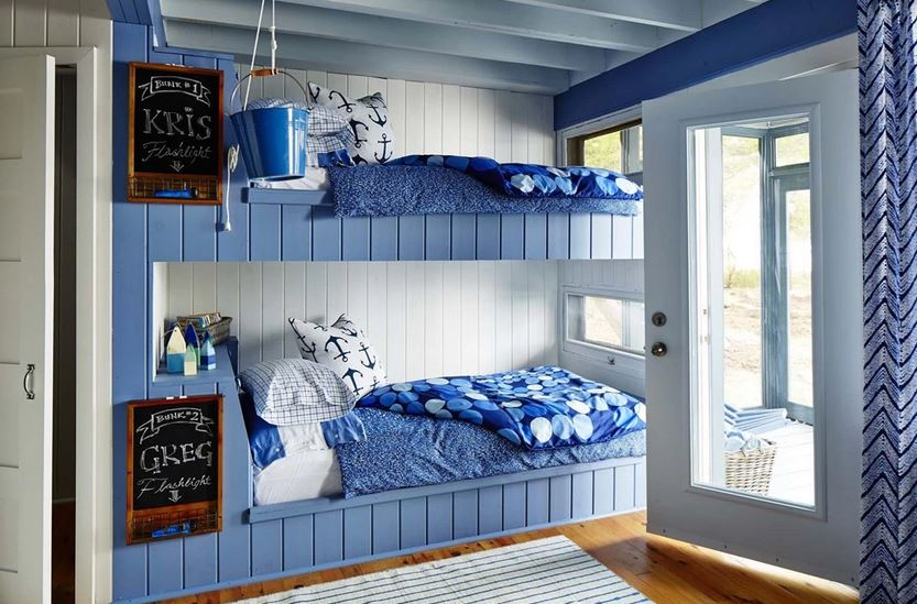 PHOTOS Sarah s Rental Cottage in Georgian Bay   kids bunk room. STYLISH HOMES  Sarah s Rental Cottage  near Parry Sound in