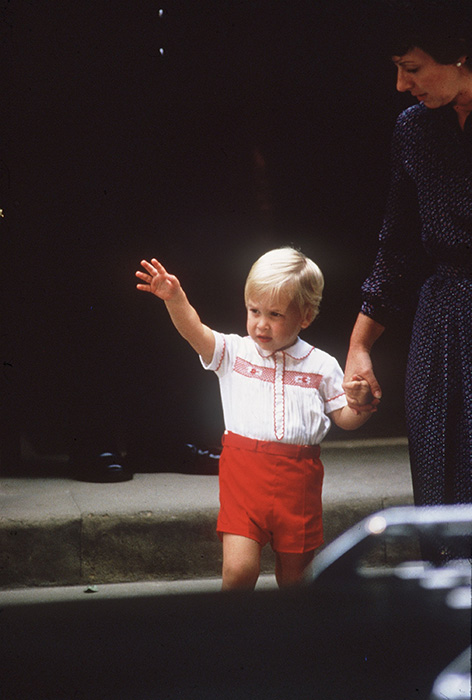 Prince William arrives to meet his baby brother Prince Harry in 1984