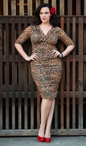 Curvy girls Luscious blog - Melissa Masi - Betsey Ruched Dress at Kiyonna.jpg