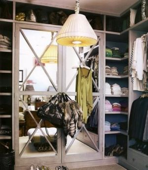 Celebrity closet ideas - mirrored-closet.jpg